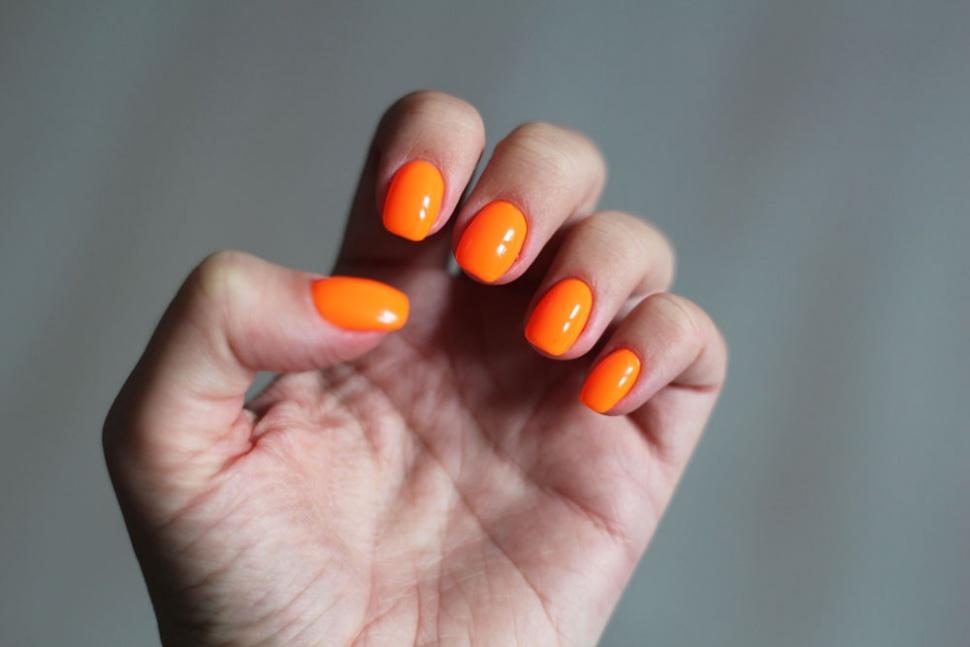 orangea naglar